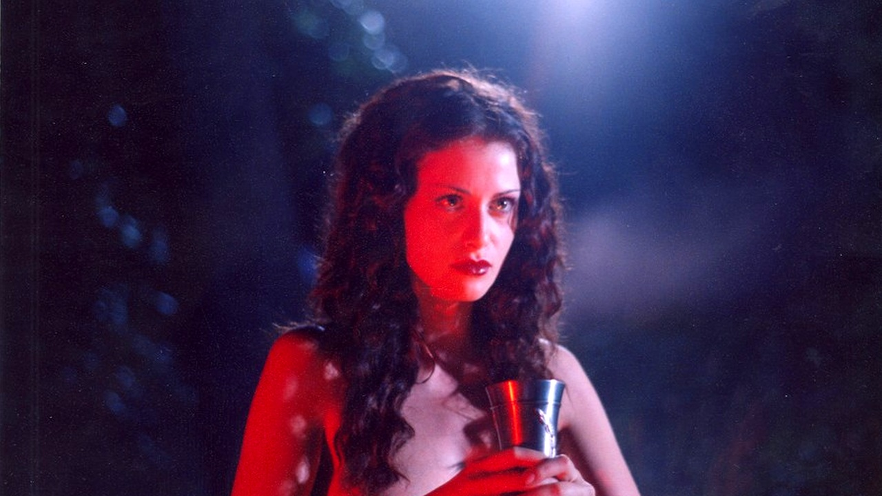 anna-kovalchuk-v-filme-master-i-margarita-mochitsya-na-sebya-porno