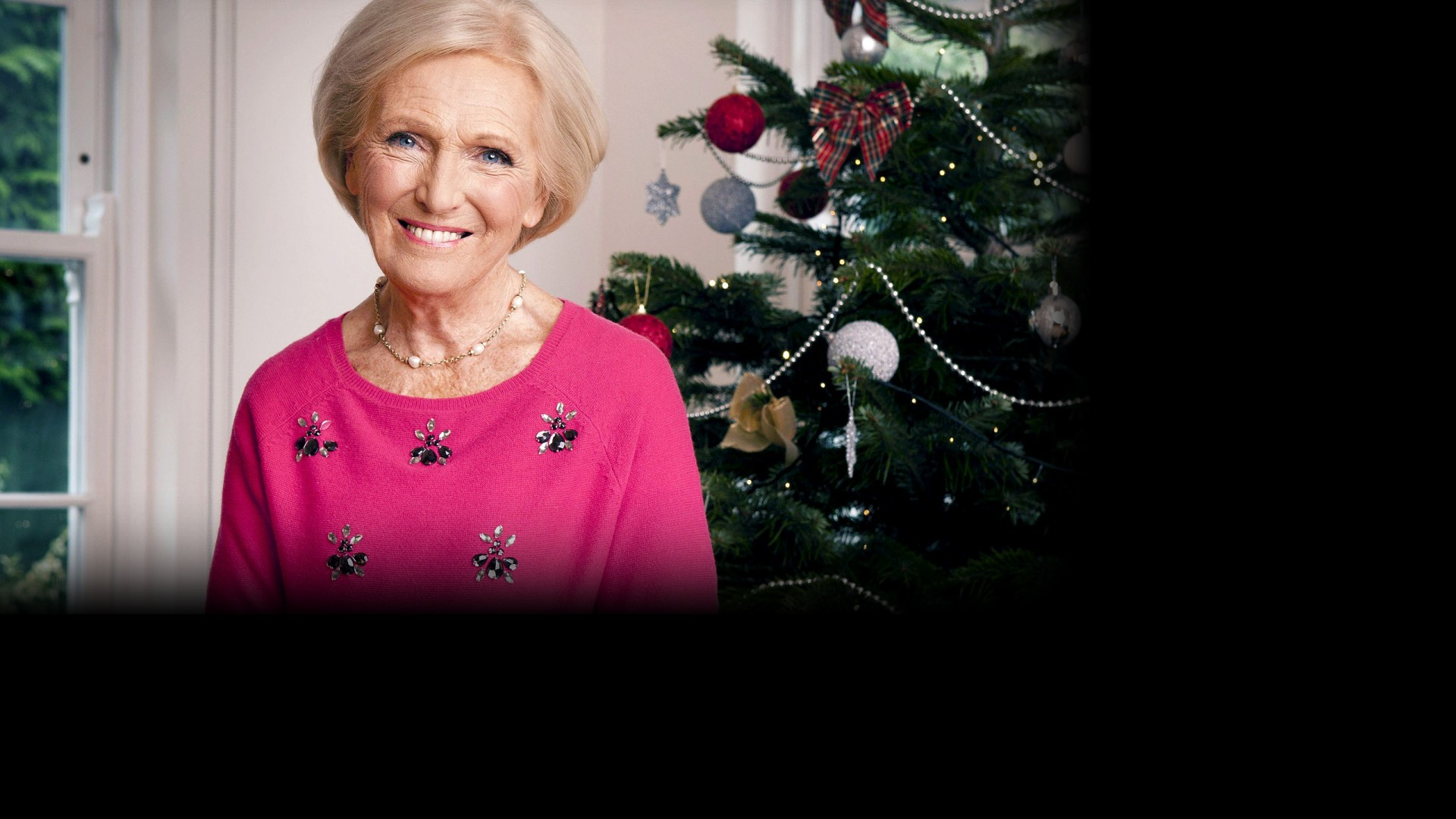 Mary Berry Christmas Cake With Grace Fruits
